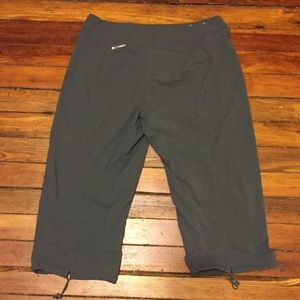 Columbia Outdoor Travel Capris Worn Once! (E)